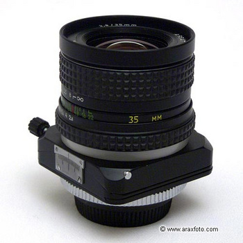 MCARAX35mmF28.jpg